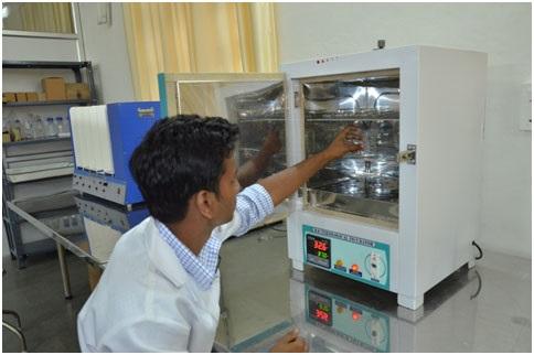 Laboratory Incubator (i-Therm, India)