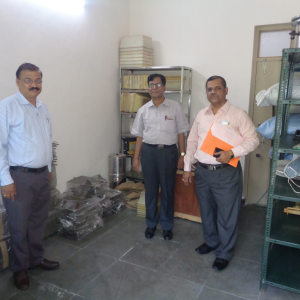 Biomedical n Behavioral Research in animals provide important information. In order to carry out this type of research animal facilities must be available in the university.