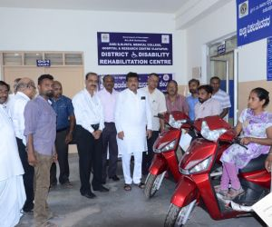DISTRIBUTION-OF-TRI-CYCLES-BY-HON'BLE-MINISTER-DR.M.B.PATIL_.jpg