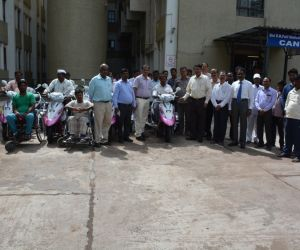 Distribution-of-Motorized-Tricycles-under-Babaleshwar-Constituency-by-grant-in-aid-from-Dr.M.B.Patil-Hon'ble-Minister-for-Water-Resources-Govt.of-Karnataka..jpg