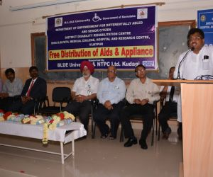 FREE-DISTRIBUTION-OF-AIDS-AND-APPLIANCES-SUPPORTED-BY-B.L.D.E-UNIVERSITY-AND-N.T.P.C.KUDAGI-ON-15.08.2016-1.jpg