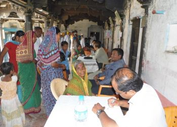 Health-check-up-camp-at-Marathi-Vidyala-Vijayapur-on-09.07.2015.jpg